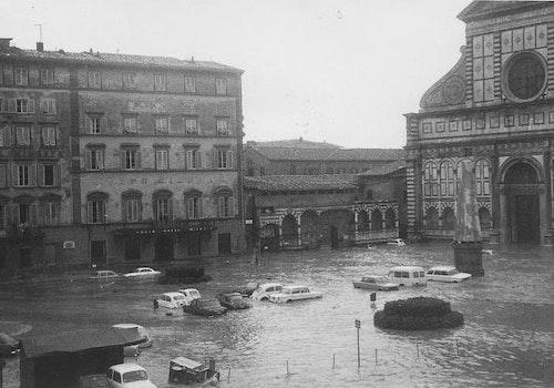 1478181372 1966 firenze con alluvione 0005 1(1)