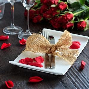 Sevgililer Günü için Romantik Akşam Yemeği Menüsü
