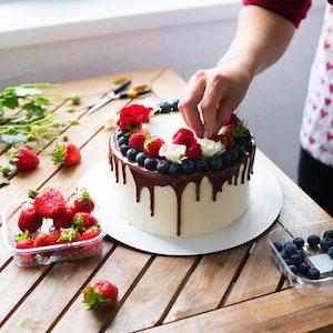 Kolayca Uygulayabileceğiniz Pasta Süsleme Teknikleri