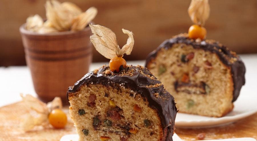 kuru meyveli ve parça çikolatalı kekler