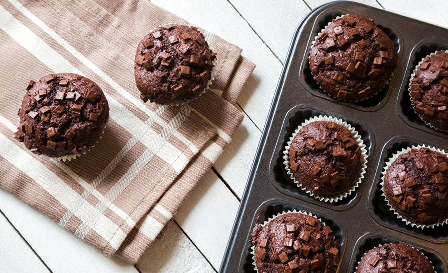 Çikolatalı Fındıklı Pudingle Muffin Kek