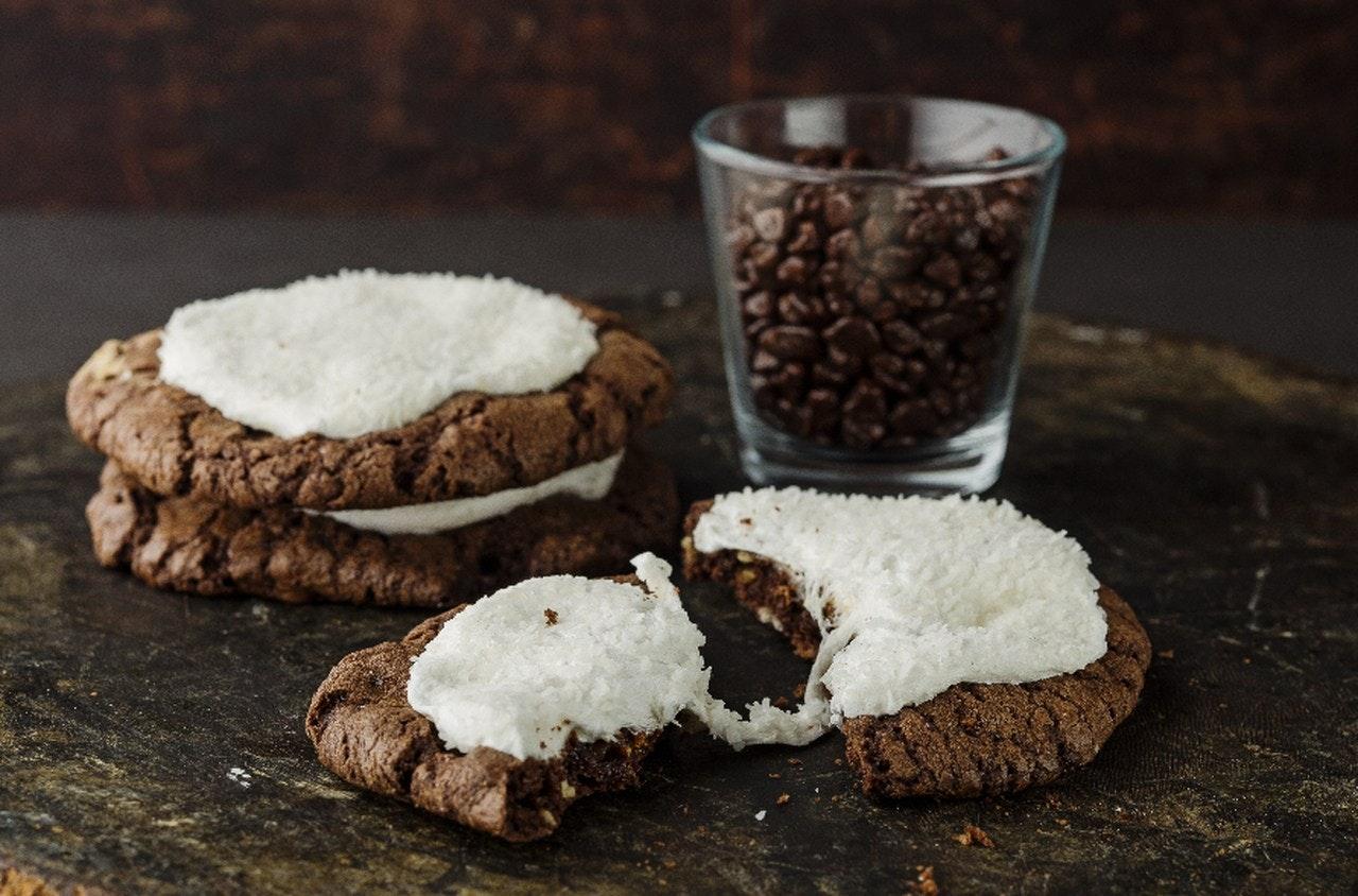 çikolata soslu kurabiye