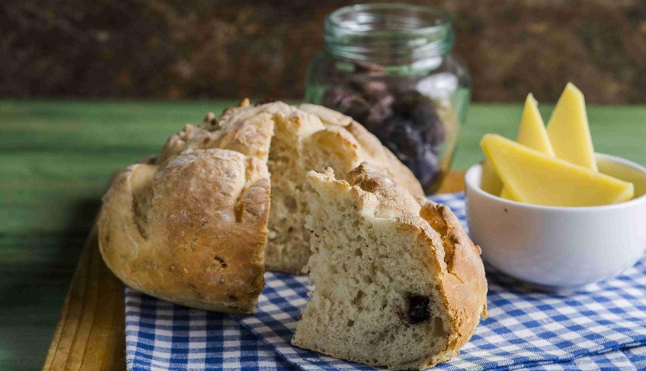 kuru meyveli tatlı ekmek