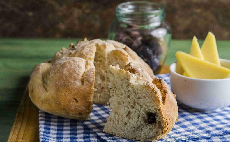 Kahvaltı Sofralarının Mis Kokulu Ekmek Tarifleri