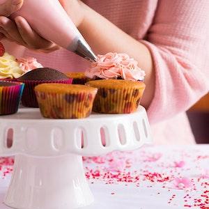 Evde Cupcake Nasıl Yapılır? Yeni Tarifler ile Cupcake Süsleme Teknikleri