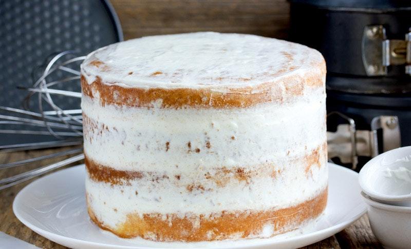 krema sürülmüş kek