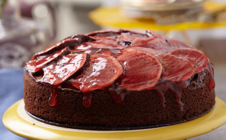 Yaz Meyveleri ile Yapılabilecek 6 Farklı Kek Tarifi