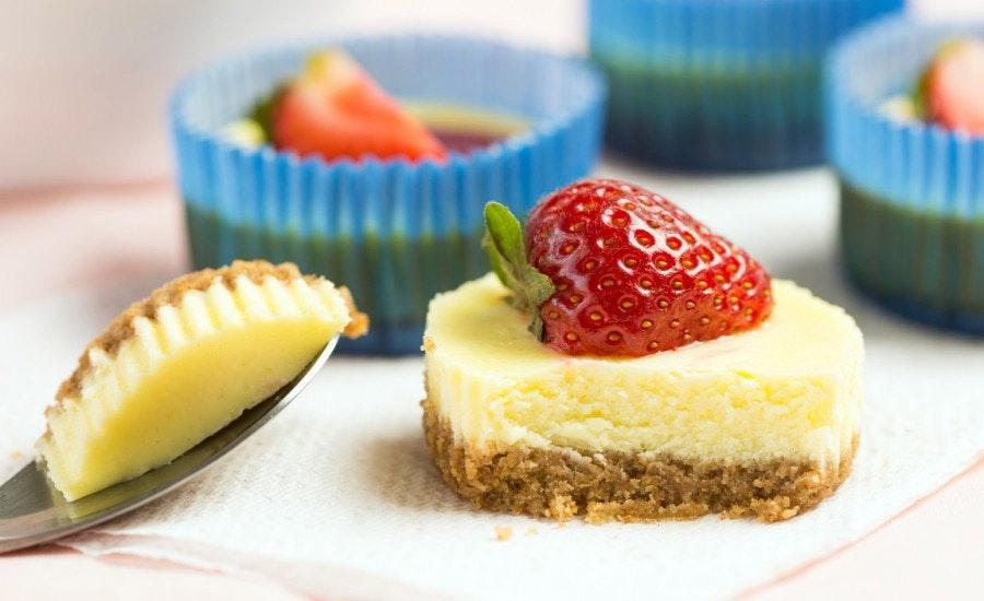 çilekli pudingli mini cheesecake