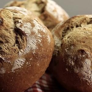 Tüm İncelikleriyle Ekşi Mayalı Ekmek Yapımı