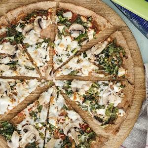 Pazılı ve Mantarlı Çavdar Unlu Pizza Tarifi
