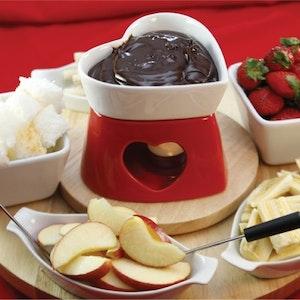 Çikolatalı Fondü ile Meyve Keyfi Tarifi