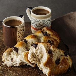 Sütlü Çikolatalı Kıbrıs Çöreği Tarifi