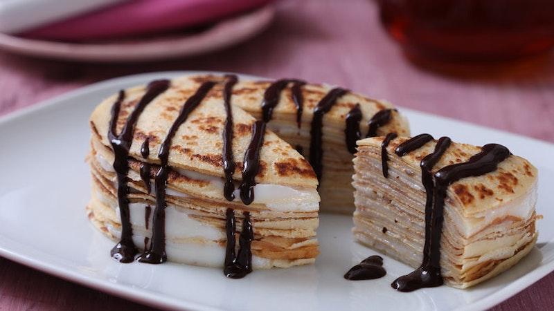 Muhallebili Krep Pastası Tarifi