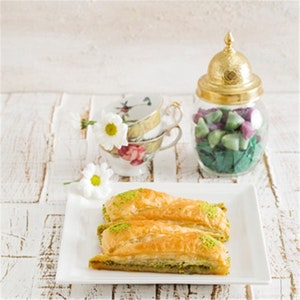 Baklava Yufkasında Pudingli Kek Tarifi