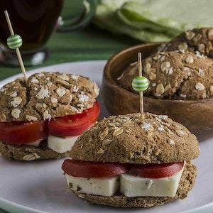 Kırkambarlı ve Keten Tohumlu Sandviç Ekmeği Tarifi