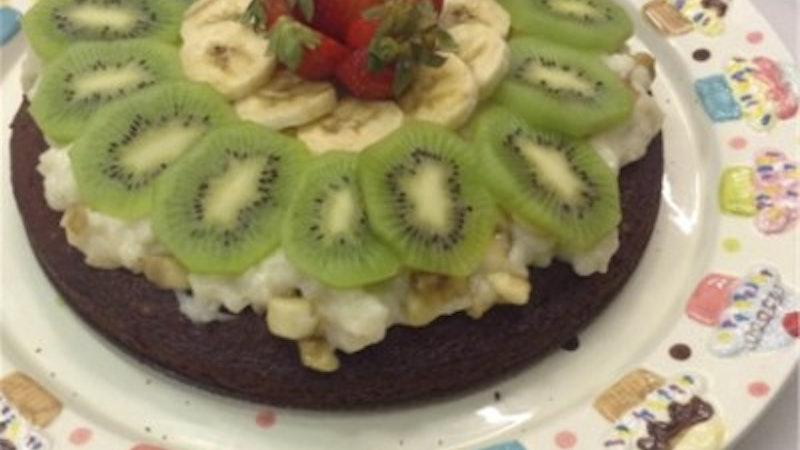 Meyveli Kremalı Kek Tarifi