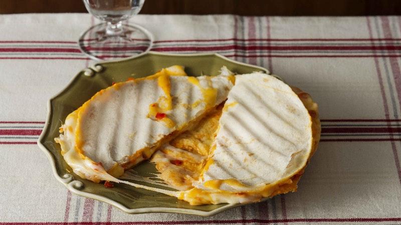 Çedar Peynirli Lavaş Tost Tarifi