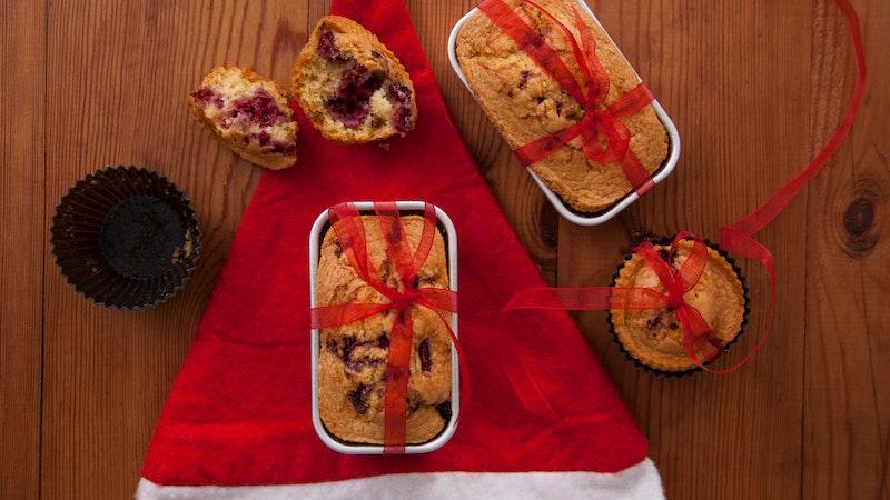 İrmikli ve Kırmızı Meyveli Kek Tarifi