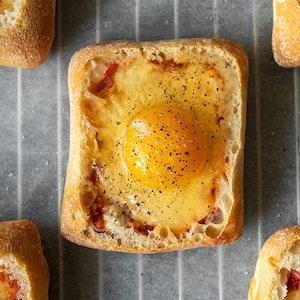 Fırında Yumurtalı Ekmek Tarifi