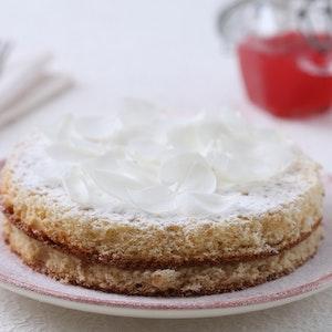 Güllü ve Ahududulu Pasta  Tarifi