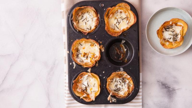 Fırında Krema Soslu Patatesli Gül Börek Tarifi