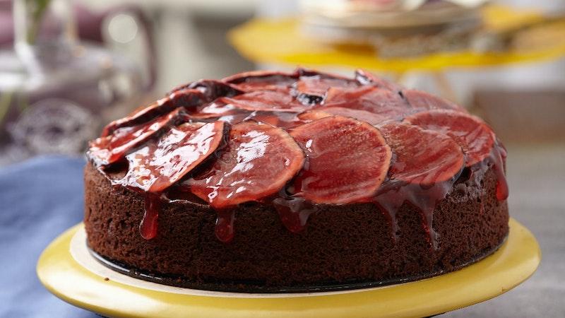 Taze İncirli Ve Kırmızı Soslu Kek Tarifi