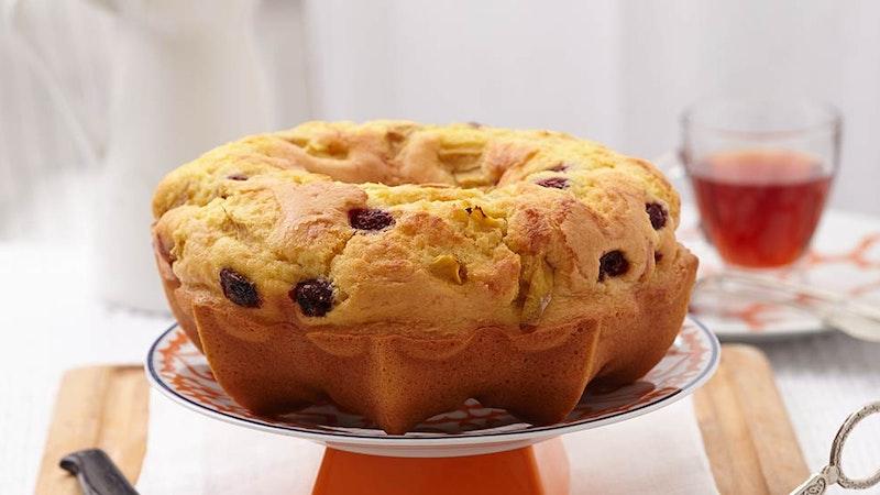 Kremalı Ve Yaban Mersinli Yumuşacık Kek Tarifi