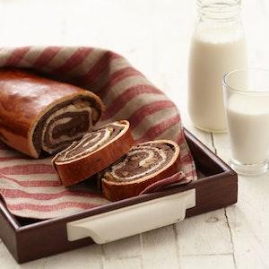 Kakaolu ve Cevizli Mayalı Ekmek Tarifi