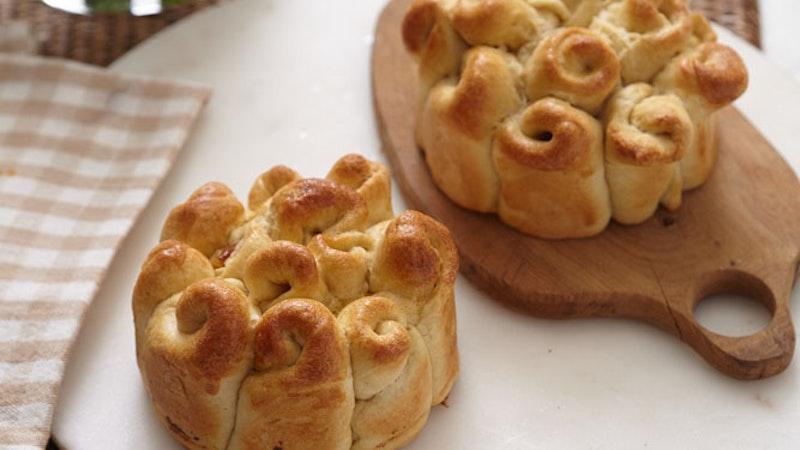 Sütlü ve Kuru Meyveli Mayalı Ekmek Tarifi