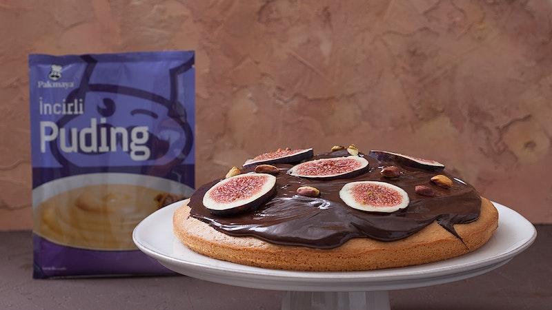 Çikolata Soslu İncirli Puding Kek Tarifi