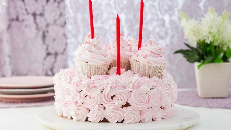 Kız Çocuğu Doğum Günü Pastası Tarifi