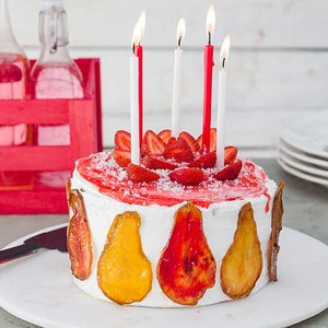 Çilekli Doğum Günü Pastası Tarifi