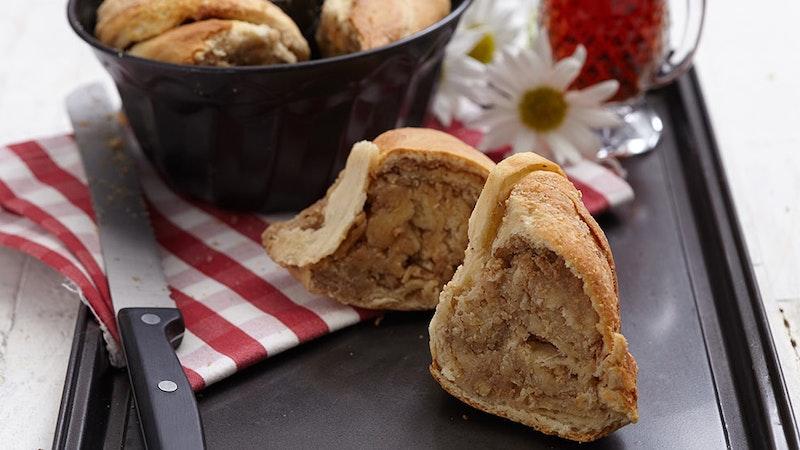 Kek Kalıbında Mayalı Çörek Tarifi