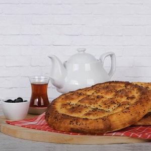 Pakmaya Beyaz Ekmek Harcı ile Evde Ramazan Pidesi Tarifi