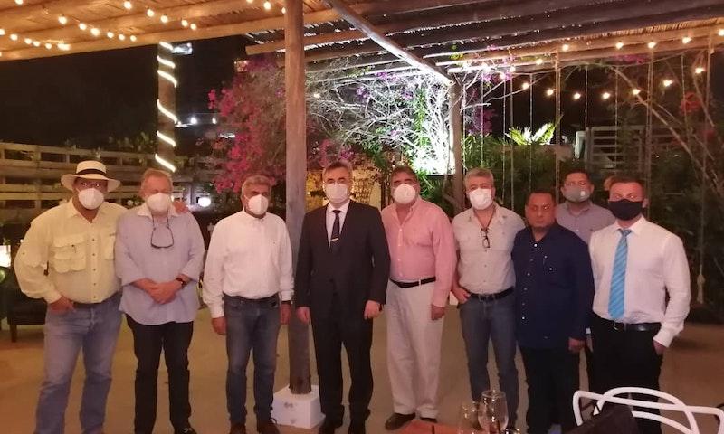 Embajador ruso cordializa con empresarios