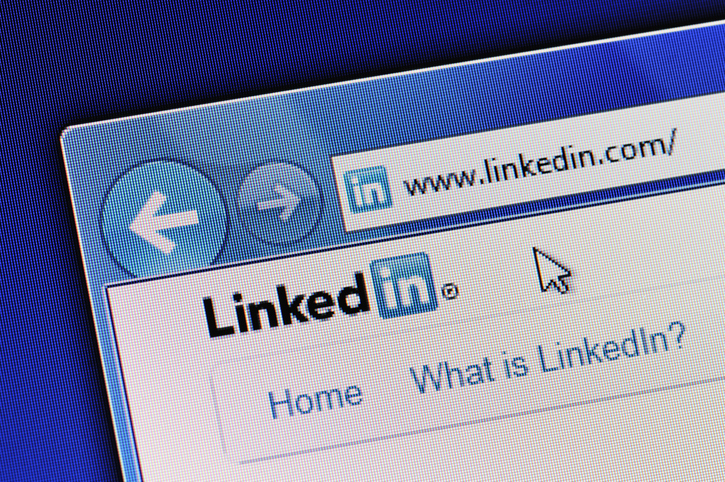 6 reasons doctors should have a LinkedIn profile Image