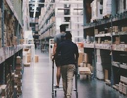 commerce de détail de bricolage et quincaillerie