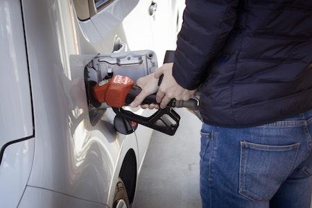 commerce de détail de carburants et de lubrifiants