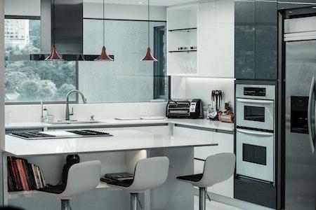 marché du commerce de détail de meubles de cuisine