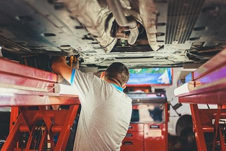 commerce équipements automobiles