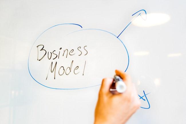 Photo représentant la construction du modele économique