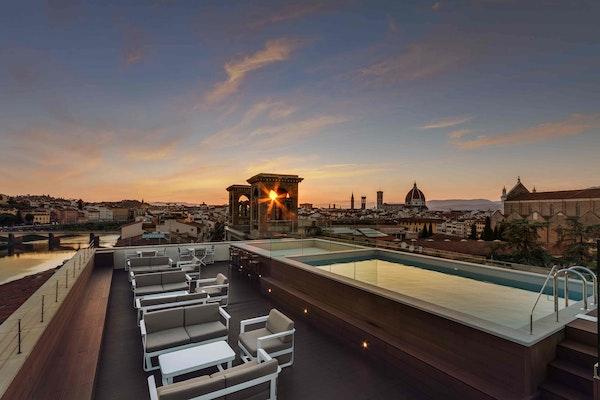 2017 best rooftop terrace | Acacia Firenze