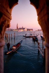 Gnamo a Venezia service acacia firenze