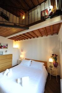 ROSMARINO | San Frediano accommodation acacia firenze