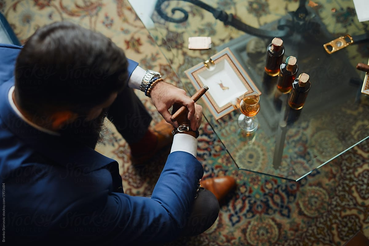 1542565294 business cigar