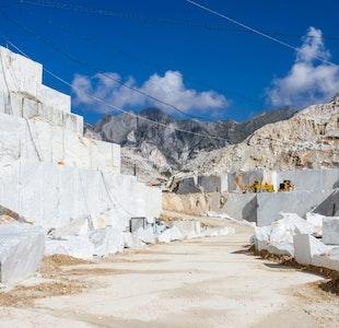 Visita alle cave di marmo di Carrara service acacia firenze