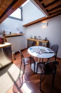NARCISO accommodation acacia firenze