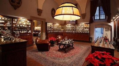 Profumi, esperienze ed epoche lontane da vivere a Firenze blog acacia firenze