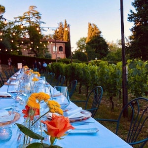 Summer dinner in the vineyards service acacia firenze