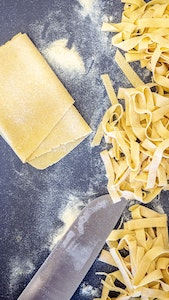 Private hands-on cooking course at home service acacia firenze